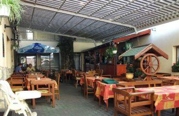 Pergola napellenző -Balatonalmádi Porció vendéglő
