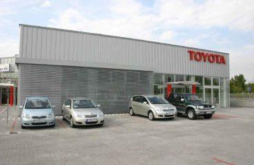 Zsaluzia -Toyota márkakereskedés 1